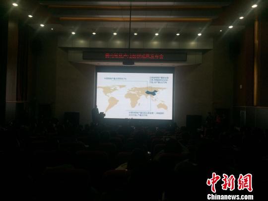 """云南发布核桃产业创新成果""""核桃酸奶""""保质期长达一年"""