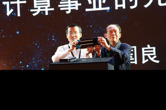 中国首款云端智能芯片发布:16nm工艺 模仿人类脑神经