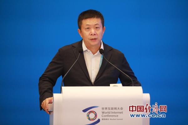 """曹国伟谈微博:""""网红经济""""逐步出圈 带来大规模经济效益"""