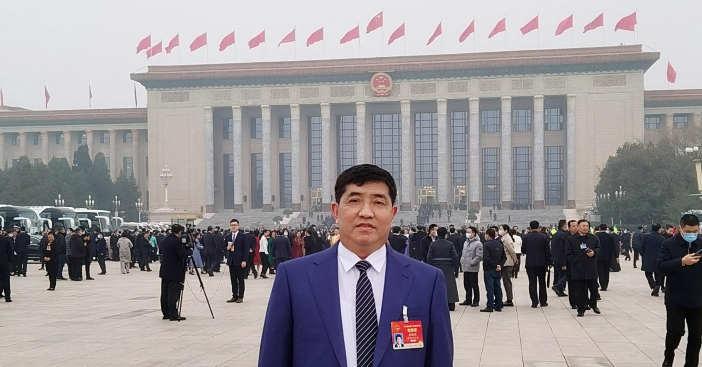 全国人大代表、九芝堂股份有限公司董事长 李振国_副本.jpg