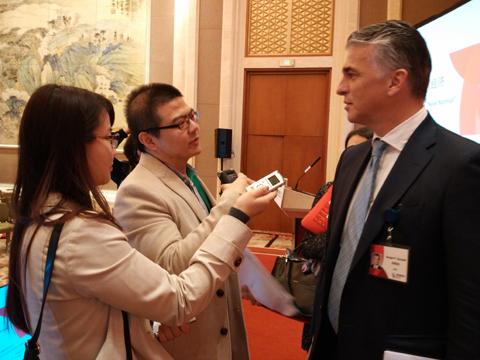 中国经济网记者采访与会嘉宾