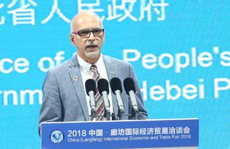 世界设计组织候任主席斯里尼·斯里尼瓦桑 325.jpg