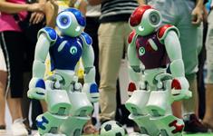 机器人进行足球赛表演