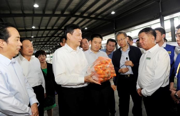肖亚庆在陕调研整治食品安全问题联合行动