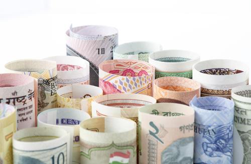 中国外汇储备规模占全球近30%