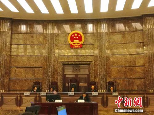 """2016年12月8日上午,最高人民法院对""""乔丹""""商标争议行政纠纷系列案进行公开宣判。<a target='_blank' href='http://www.chinanews.com/' _fcksavedurl='http://www.chinanews.com/' ></table>中新网</a>记者 张尼 摄"""