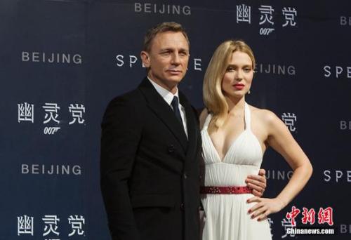 "资料图:""007""扮演者丹尼尔(左)。<a target='_blank' href='http://www.chinanews.com/' _fcksavedurl='http://www.chinanews.com/' ></table>中新网</a>记者 翟璐 摄"