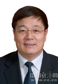 央行原行长助理杨子强当选中国金融教育发展基金会理事长(图/简历)
