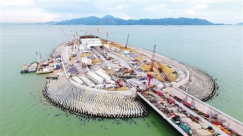 月7日,港珠澳大桥海底隧道正式贯通.这也意味着全球最长的跨海