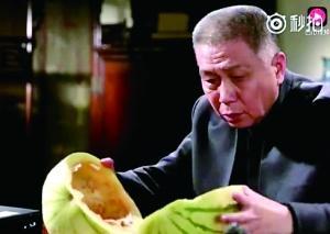 西瓜400天不烂是喷了防腐剂?专家:西瓜皮可呼吸