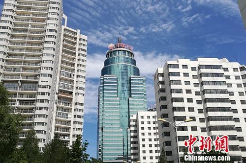 北京市亚运村北辰附近某小区楼外景。<a target='_blank' href='http://www.chinanews.com/' _fcksavedurl='http://www.chinanews.com/' _fcksavedurl='http://www.chinanews.com/' ></p> </table> 中新网</a> <p>  程春雨 摄