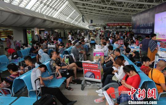 """台风""""杜苏芮""""将给海南带来强风雨多市县中小学停课"""