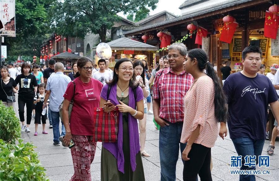 (经济)(1)福建国庆长假实现旅游收入220亿元
