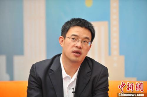 资料图:黄震。 <a target='_blank' href='http://www.chinanews.com/' _fcksavedurl='http://www.chinanews.com/' ></table>中新网</a> 张越 摄