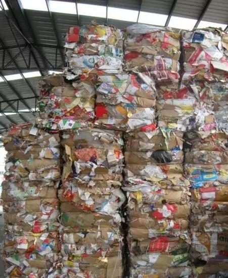 废纸箱价格先暴涨后暴跌 商家:已经把一年的利润全赔了进去