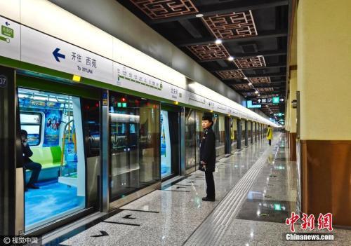 资料图:北京地铁16号线。图片来源:视觉中国