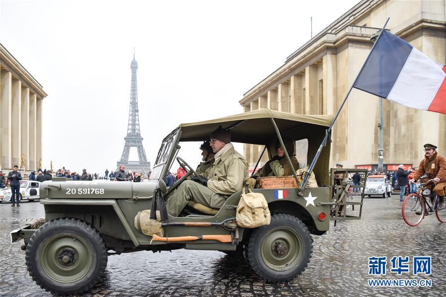 """(国际)(1)""""穿越""""巴黎城"""