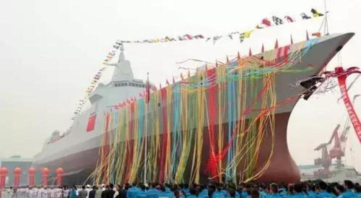 万吨大型驱逐舰