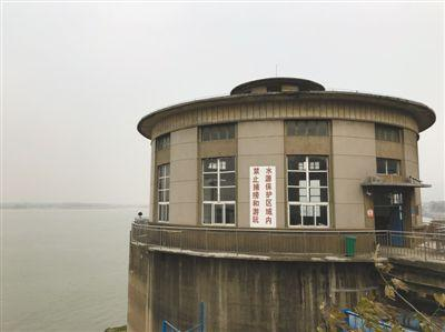 澳门金沙娱乐官方网址:长江经济带饮用水水源地整治:油品码头搬迁持续16年
