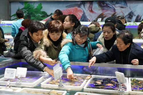线上赌博平台排名:订单量暴增5倍__春节买爆盒马成消费新主流