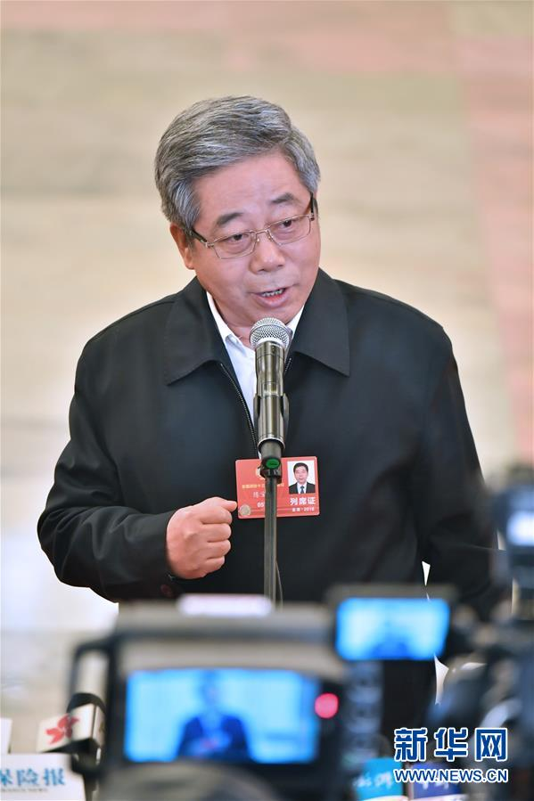 (两会・政协开幕・新华视界)(1)采访部长