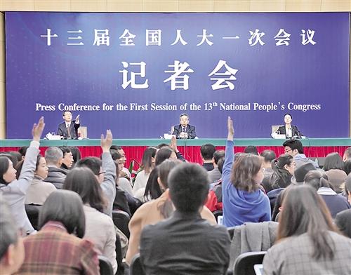 陈宝生回应教育热点问题:致力公平优质 建设教育强国
