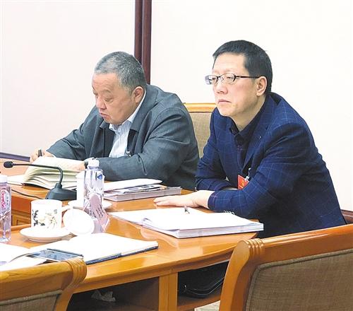 北京赛车是真人赛车吗:全国人大代表梁益建在小组讨论会现场就医改问题建言献策