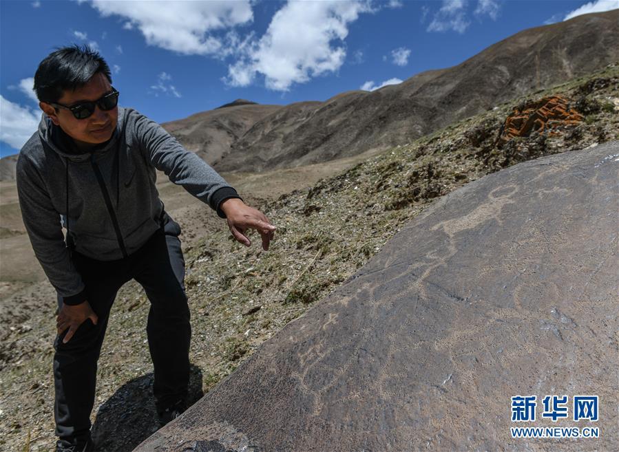 (文化)(1)青海玉树称多县发现大批岩画