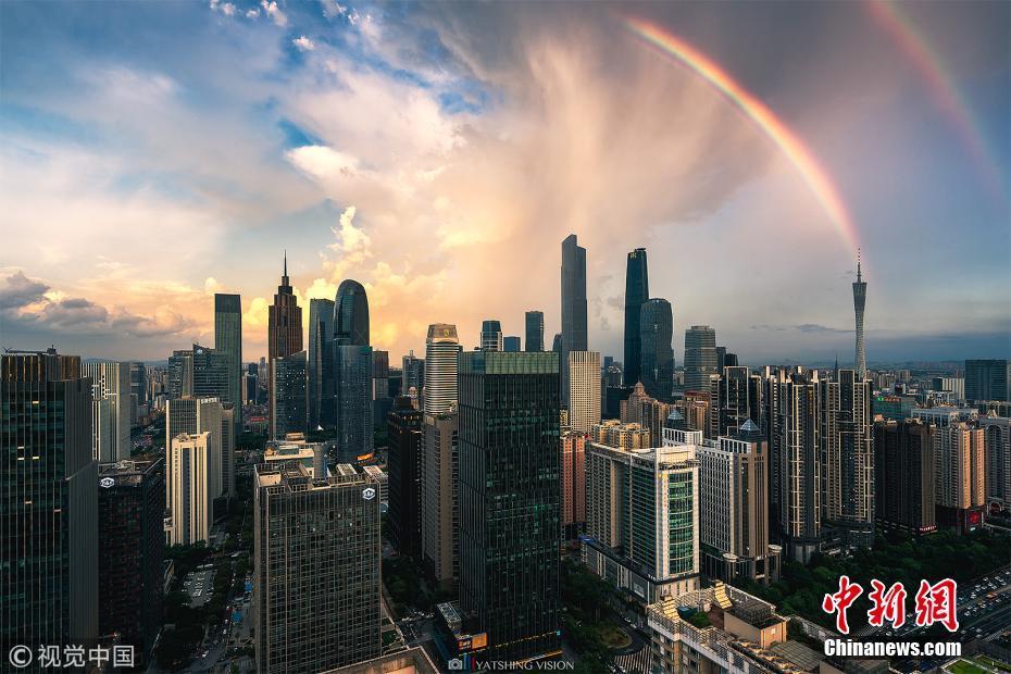 北京幸运28:广州雨后天空出现双彩虹_美景沁人心脾