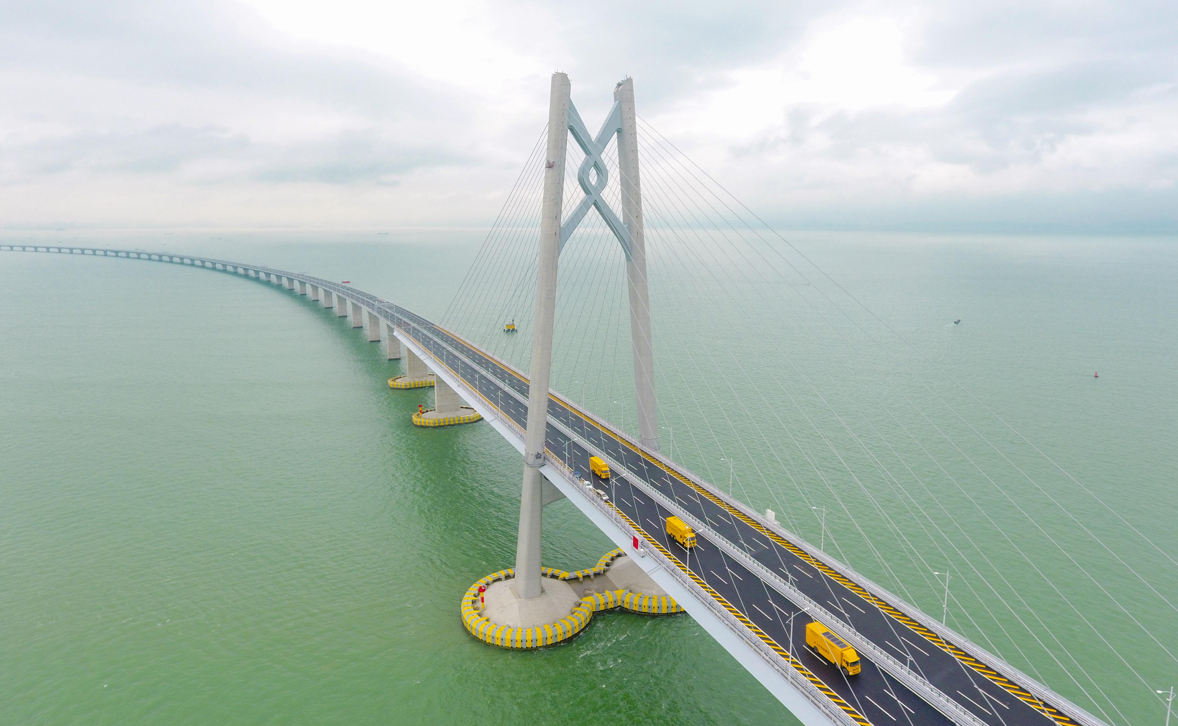 南方电网鼎力护航港珠澳大桥