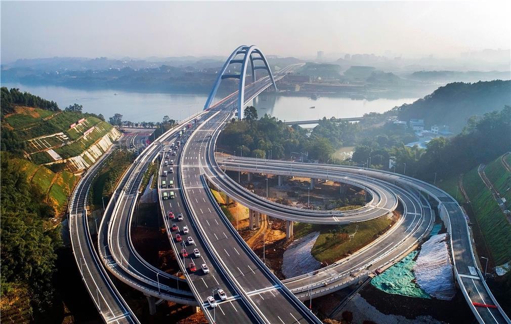 世界第一大有推力钢箱拱桥建成通车