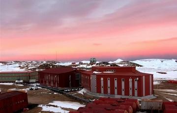 中国南极中山?#23621;?#26469;建站30周年