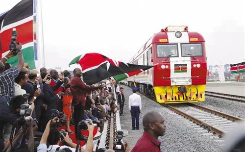 """""""非洲版高铁?#20445;?#20957;固友谊 带来希望"""