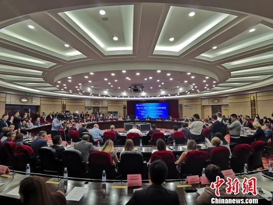 广东黑龙江俄罗斯(远东)将建省州长合作机制 推动三方经贸合作