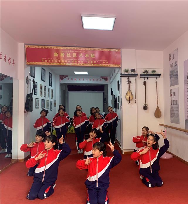 小社区奏响民族团结大合唱