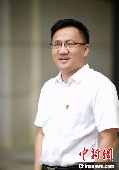 南京中学生全面返校上课:疫情后重见青青校园