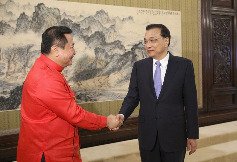 国务院总理李克强5月19日下午在中南海紫光阁会见菲律宾众议长阿尔瓦雷兹。