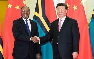 习近平会见瓦努阿图总理萨尔维