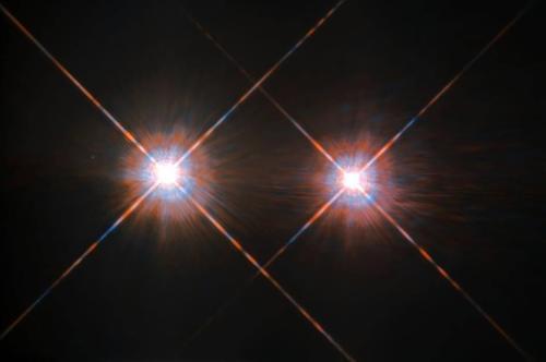 半人马座α星系是距离太阳最近的恒星系统。(图片来源:NASA)
