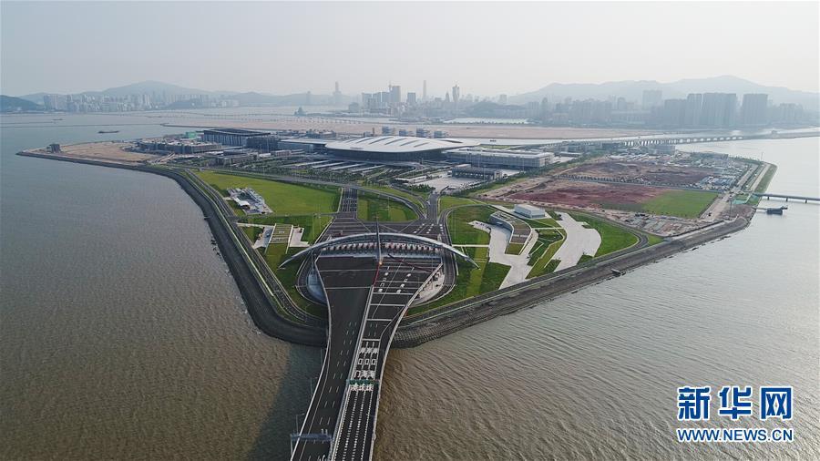"""(经济)(5)信息""""大桥""""连通港珠澳"""