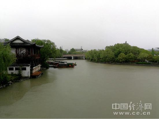万木新绿江浙行(3):风雨嘉兴走南湖