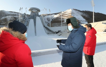 �近平:全力做好北京冬�W��冬���W���I�k工作