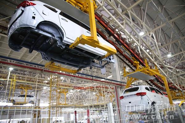 PL1811004重庆力帆汽车工厂总装车间邓浩产业市场国产自动化.jpg
