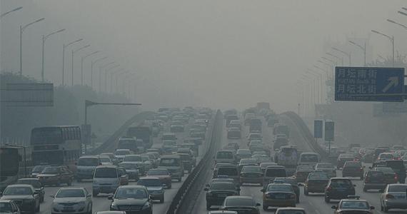 gdp与雾霾_穿透唯GDP的雾霾--财经--人民网