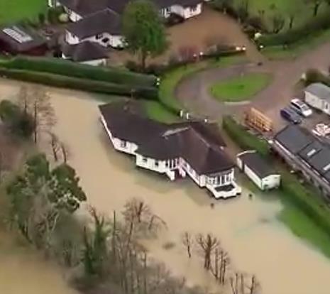英国洪水预警