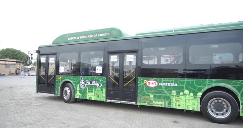 中巴合作的电动巴士在卡拉奇运行良好