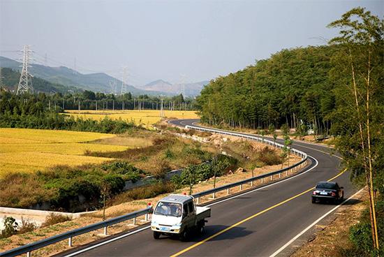 我国农村公路总里程超404万公里