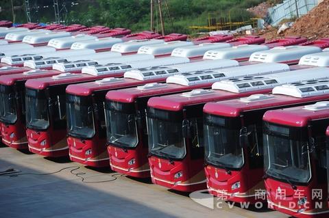 客车企业中报业绩普遍下滑 新能源补贴政策是主因