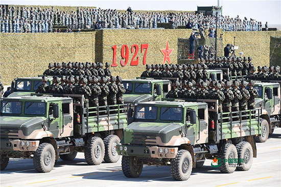 坚持自主固国防 一汽解放打造全系列军车
