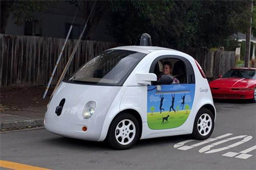 美国或修建智能公路 辅助自动驾驶(图)